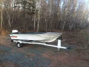 14' Boat, 20 HP motor and Trailer