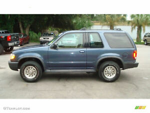1999 Ford Explorer SUV, Crossover *LOW KM* 4x4