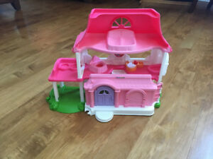 Little People Pink Singing House