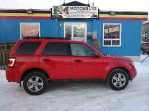 PRICE REDU 2009 ford Escape full loaded with com starter 4x4