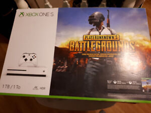 Xbox One S - 1TB - 2 games - 1 controller