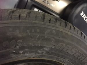 2 Toyo winter tires in Avery good condition size 15/70/205 West Island Greater Montréal image 3