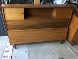 Lit Double en Noyer ** Vintage Mid Century ** Walnut Double Bed