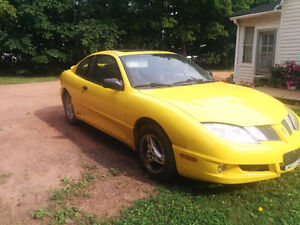 2004 Pontiac Sunfire Coupe (2 door)