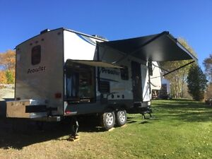fifth wheel 2015 Lac-Saint-Jean Saguenay-Lac-Saint-Jean image 3