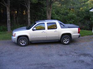 2010 Chevrolet Avalanche LT w/1SB Pickup Truck