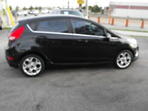 2011 FIESTA SES  HATCH  LEATHER  SUNROOF  LOADED  NO ACCIDENTS.. Windsor Region Ontario image 8