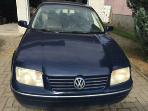 Volkswagen Jetta 2004 2.0L - Beauty @ a Great Price!
