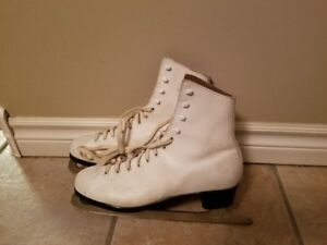 Women's Dominion Size 7 Ice Skates