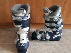 Women's Tecnica ski boots Size 6-6.5