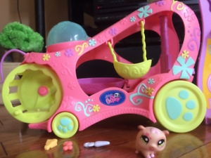 Littlest Pet Shop Bus Set