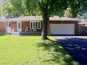 ***OPEN HOUSE THIS SUNDAY*** 4 BDRMS ALL BRICK HOME IN TECUMSEH