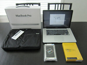 "Mint condition Macbook Pro 15.4"" i7(mid 2012)+ Extra Accessories"