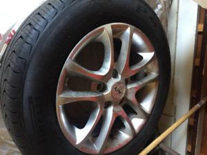 4 mags et pneus d'été en excellent condition à vendre!