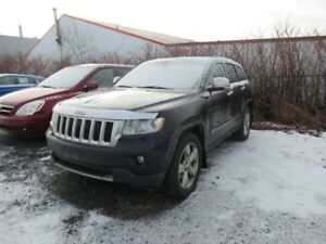 2011 JEEP GRAND CHEROKEE Overlandn V8 HEMI LOADED 4WD AS IS