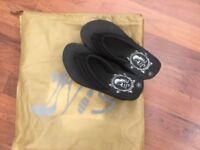 High heels black sponge brand new sandals size 3
