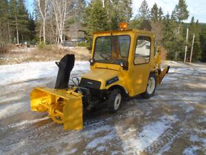 Tracteur BOMBARDIER 4 x 4 MPV - 20 1988 moteur 20 hp 657 hrs