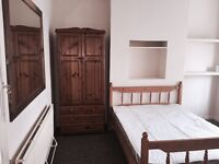 Rooms to Let in 4 bedroom house