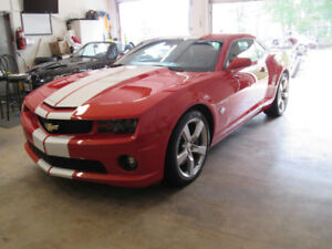 Camaro Pace Car with manual trans and only 10000KM