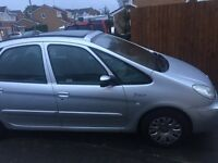 Citroen Picasso 1.6 petrol with sunroof