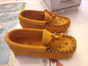 Baby/toddler moccasins size 5