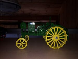 Cast model tractors collectables