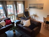 Spacious double room perfect for a couple! Gorgeous house, Isle of Dogs