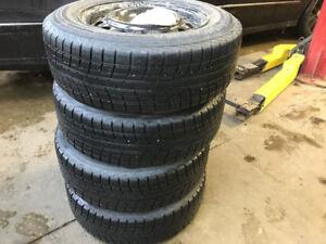 Yokohama Ice Guard ic 52c 15 inch snow tires on rims/sur roues