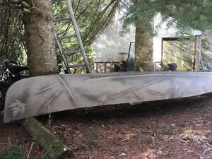 Great canoe for the outdoorsman