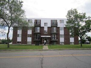 Boisbriand grand appartement 4 et demi à louer