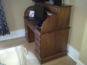 Solid 100%  oak roll top bankers desk Kingston Kingston Area image 2