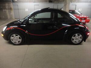 2000 Volkswagen Beetle Hatchback  - BLACK ON BLACK - nice car !