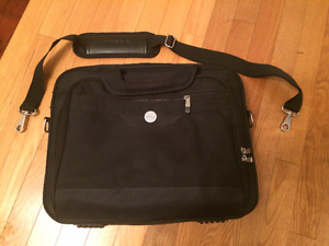 Large laptop padded carry case. Dell.