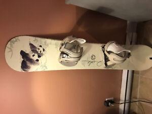 Snowboard et botte pour femme