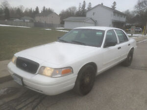 2011 Ford Crown Victoria *** SAFETIED & E-TESTED ***