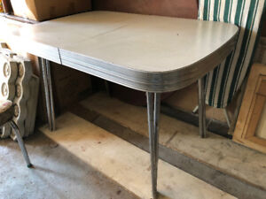 50's Style Dinner Table and 2 Chairs