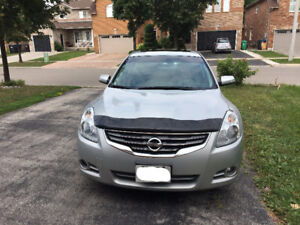 2010 Nissan Altima SL - TOP OF LINE & ACCIDENT FREE