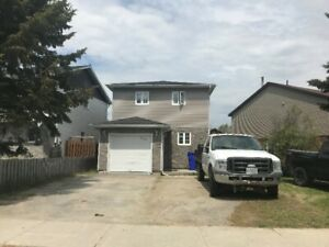 3 bedroom house with attached garage for rent in South Porcupine