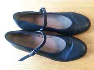Bloch leather tap shoes size 7