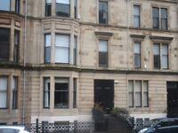 3 bedroom flat in Dowanside Road, West End, Glasgow, G12 9DA
