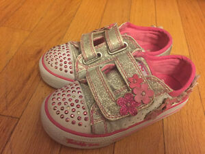 Size 10 Sketcher shoes