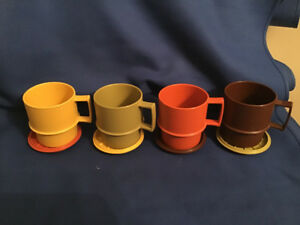 4 Vintage 1970's Tupperware Coffee Mugs & Coasters