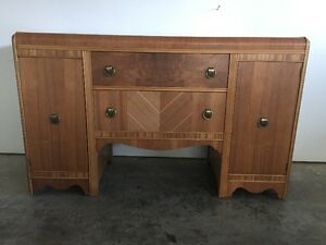 Vintage 1943 Buffet in Excellent condition,
