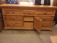 Dresser pine