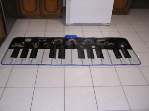 MUSICAL FLOOR PIANO TOY
