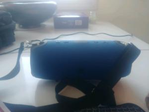 Portable bluetooth speaker -heavy bass-
