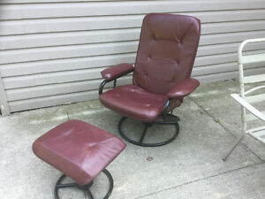 CHAIR WITH ARM REST AND FOOT REST
