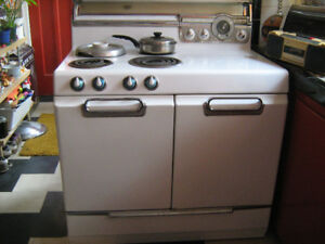 1950s  FRIGIDARE WORKING DOUBLE STOVE/OVEN+ deep fat fryer--$999