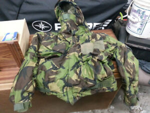 Army Camo Suit *Perfect for Hunting, Paintballing, YouNameit (M)