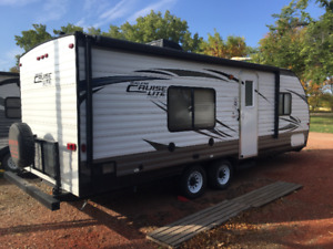 2015 24' Salem Cruise Lite 241QBXL - LIKE NEW/*MUST SELL*